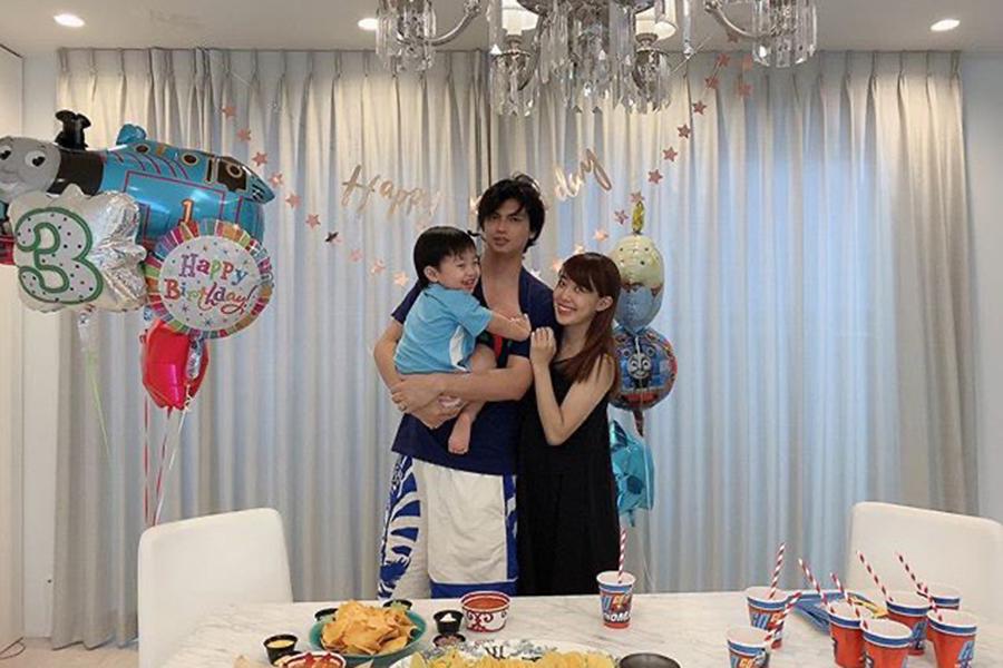 川崎希&アレク夫妻、3歳長男の誕生日を
