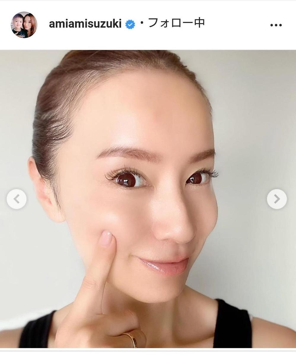 鈴木亜美、タンクトップで美肌ショット披露「モチモチ」「ほっぺが輝いてる」と称賛の声 : スポーツ報知
