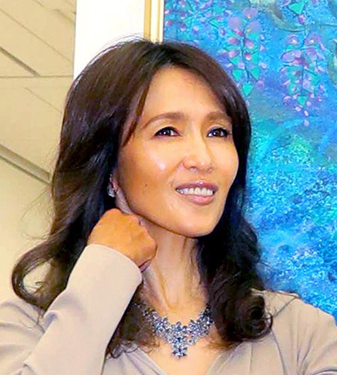 工藤静香、78歳母親とリンクコーデ親子ショットに驚き「細くて足が長い」Koki,デザインのバッグも(スポーツ報知) - Yahoo!ニュース