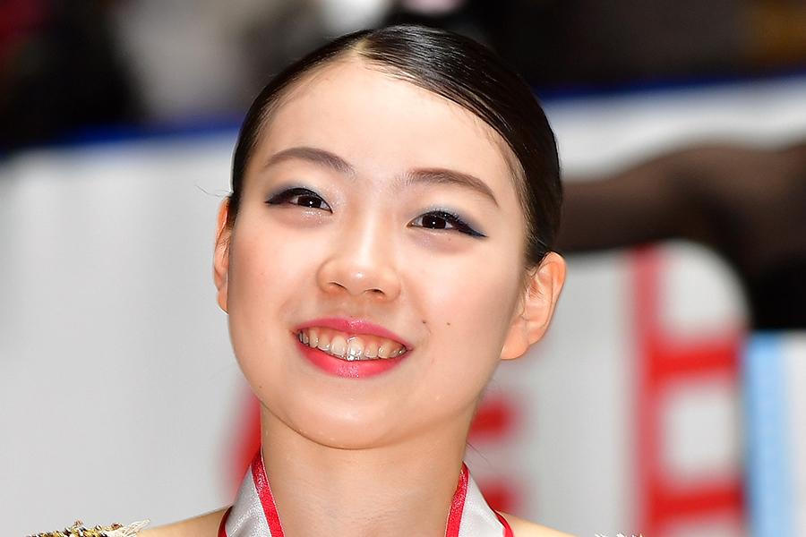紀平梨花、氷上でのアクロバティックショットに驚きの声「どんだけ運動神経いいんだよ」   ENCOUNT