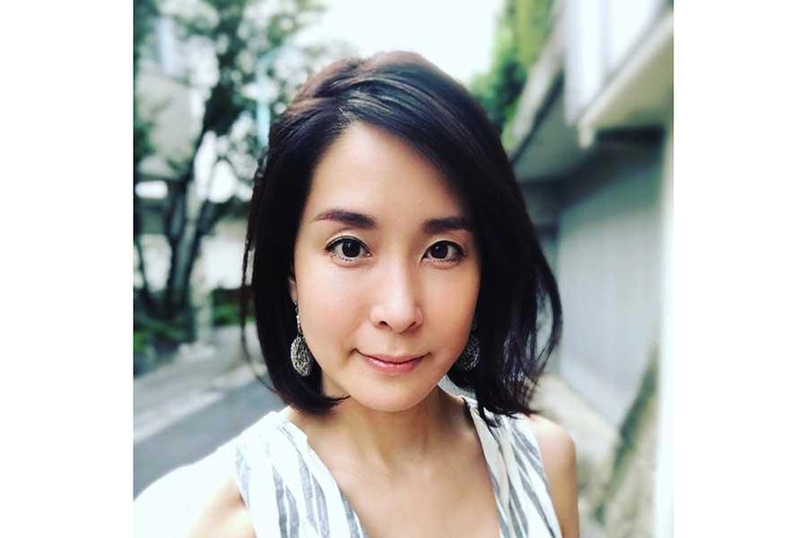 内田恭子、ストールにロングスカート姿「いつもの仲良しと。嬉しいおもてなし」 | ENCOUNT