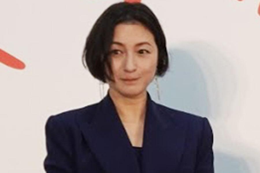 広末涼子、40歳でも変わらぬ透明感 オフショットで見せた無垢な笑顔   ENCOUNT