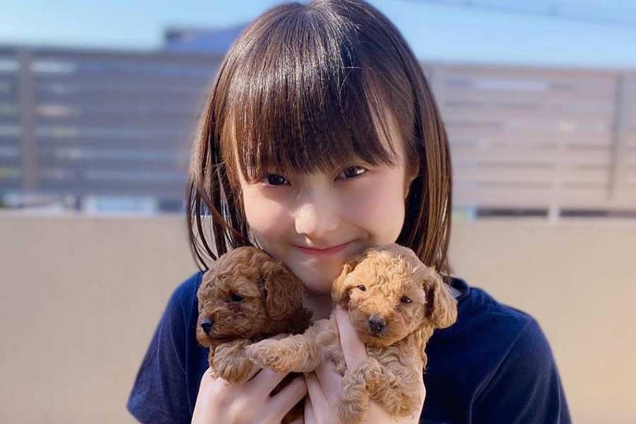 本田紗来、お店級パウンドケーキを手作り…私服Tシャツも話題「女子力高い」「かわいい」   ENCOUNT