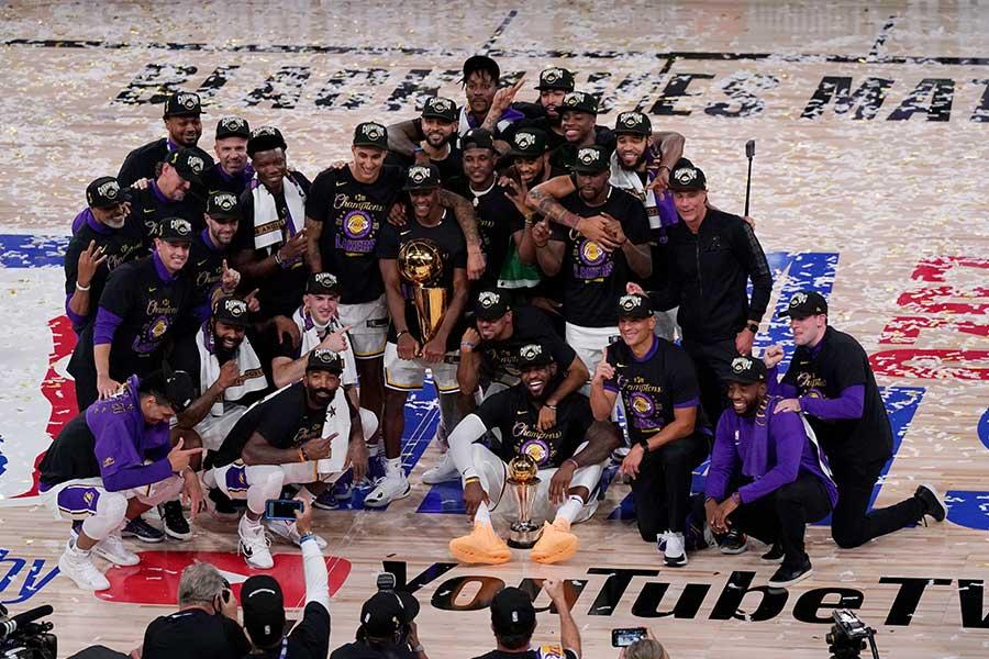 「NBAとディズニーが1枚の写真に…」 シンデレラ城のレイカーズV祝福に米反響 | THE ANSWER スポーツ文化・育成&総合ニュースサイト