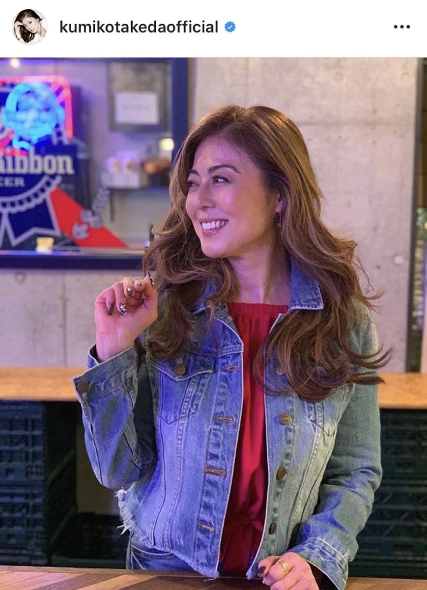 武田久美子、2か月ぶりインスタ更新でジージャン着こなしショット 「いくつになっても完璧美人」の声 : スポーツ報知
