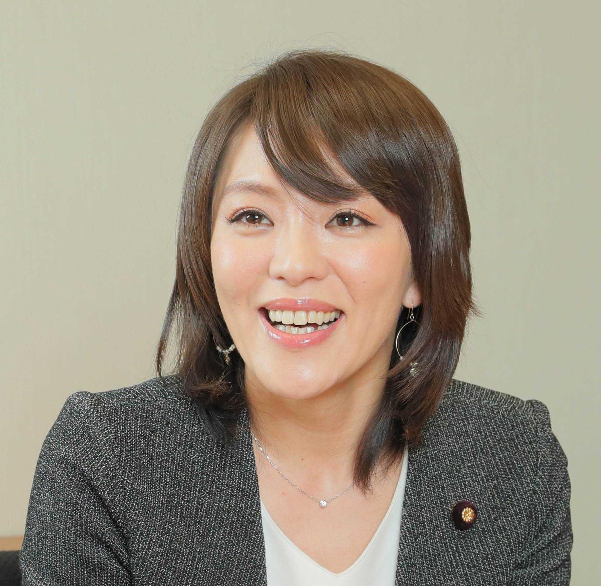 今井絵理子氏、長男16歳の誕生日にそろって美容室へ「息子とともにイメチェン」(スポーツ報知) - Yahoo!ニュース