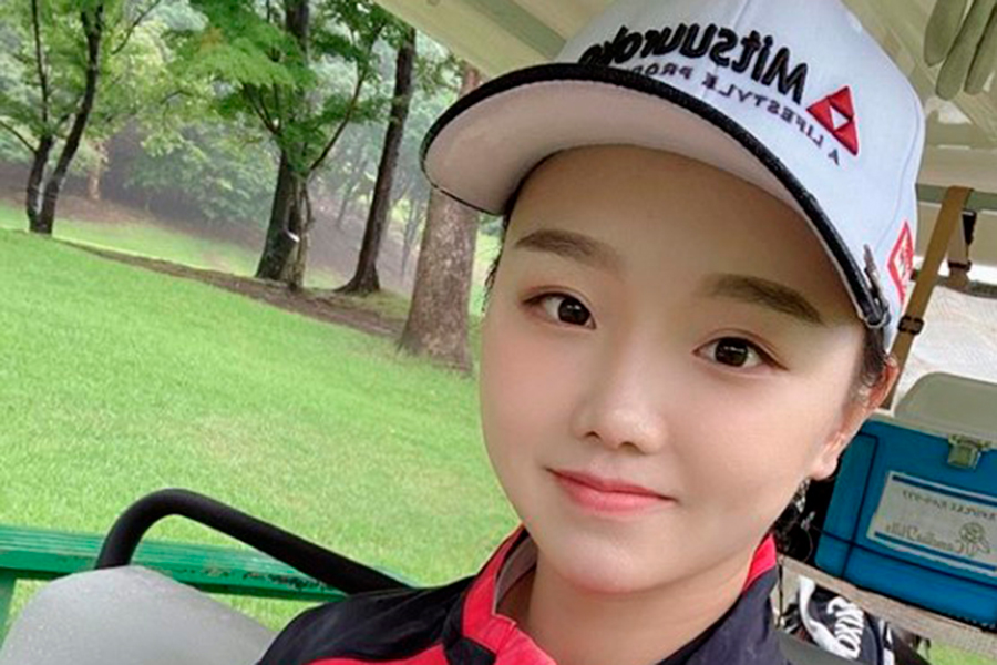 日本生まれの中国美女ゴルファー、ミニスカ衣装で美スイング…超スロー映像に反響拡大   ENCOUNT