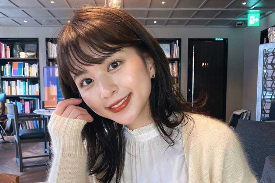 沖田愛加、人生初センター分けヘア披露 アレンジを加え「可愛い」「似合ってます!」   ENCOUNT