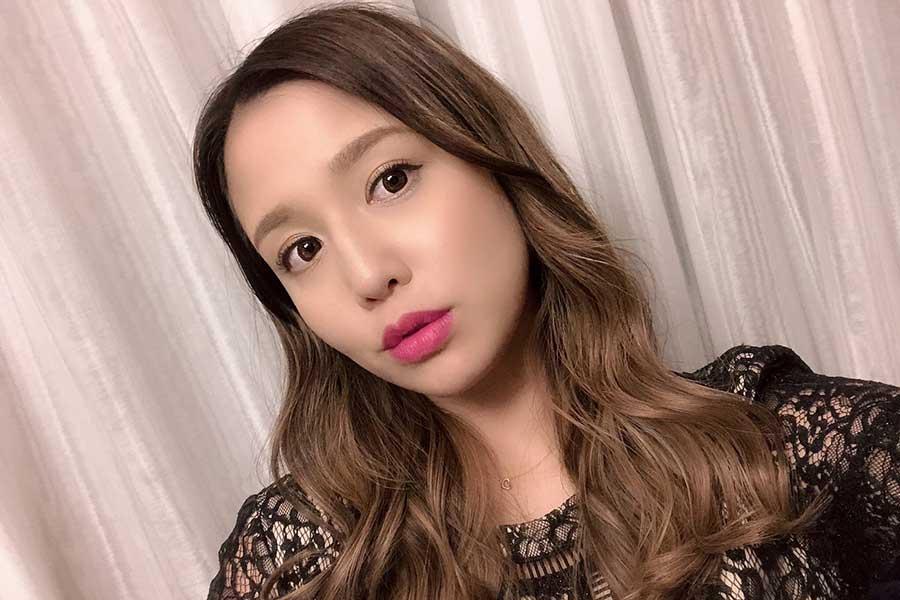 丸高愛実、まな娘「キティちゃんづくし」誕生日写真を公開「お姫様のように過ごしました」 | ENCOUNT