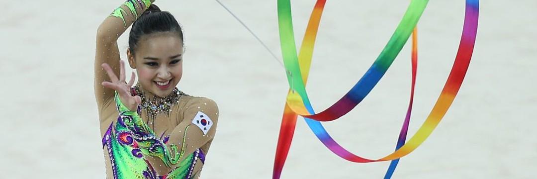 韓国「新体操界美女」のミニスカコスプレ姿に「かわいい!」「綺麗!」の声(現代ビジネス編集部)   現代ビジネス   講談社(1/2)