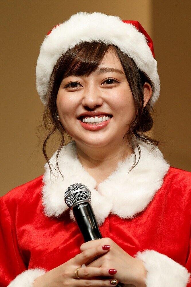 菊地亜美「たしかに顔が小さく見える 笑」 「夫が買ってきた」ものを着てみたら...: J-CAST ニュース【全文表示】