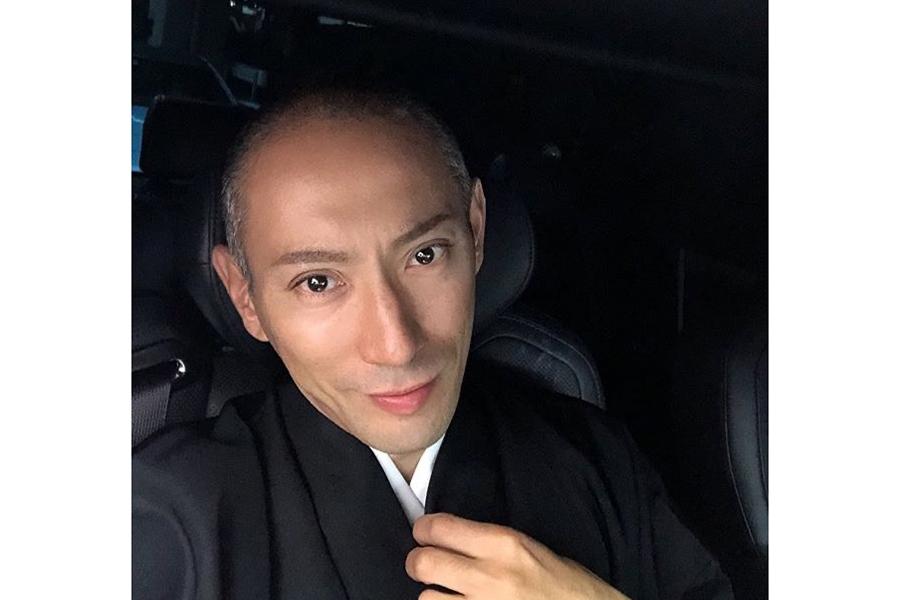 海老蔵、長男・勸玄くんの七三分け姿を公開 ファン「表情が海老蔵さんにそっくり!」 | ENCOUNT