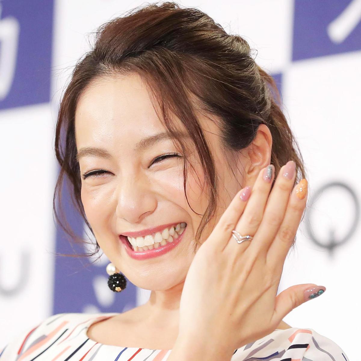 三船美佳、長女と第2子女児の16歳差姉妹ショットを公開「なんとも言えない幸せ」(スポーツ報知) - Yahoo!ニュース