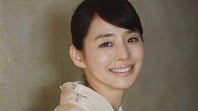 石田ゆり子、体育座りの新アイコン写真に「ナチュラルビューティー」「永久保存」の声 | ENCOUNT