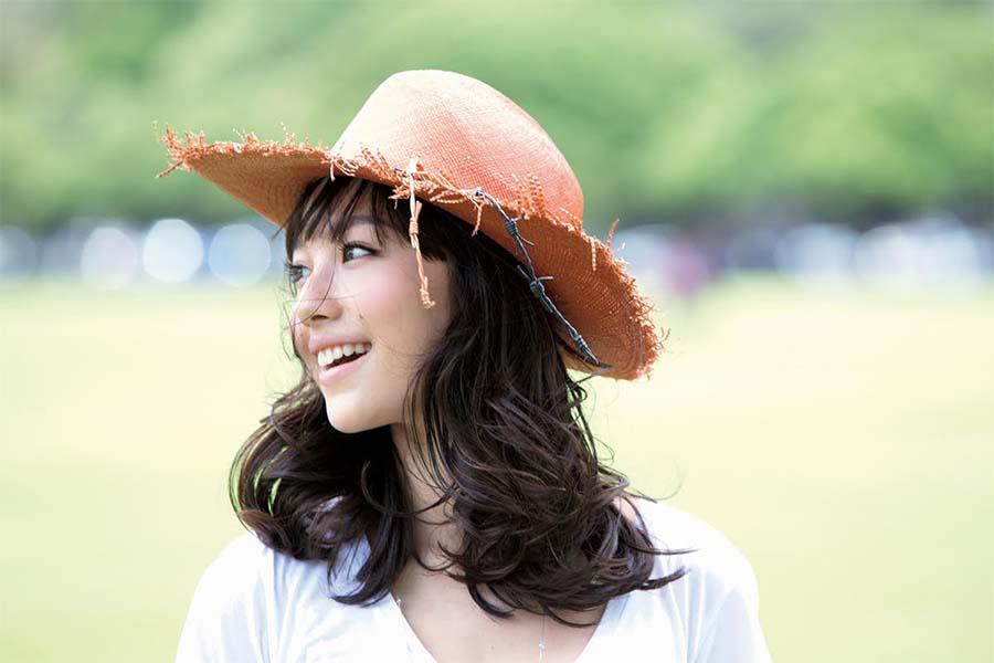 谷村奈南、船上黒ドレス姿公開 エレガントな魅力にファン脱帽「美しすぎる」 | ENCOUNT