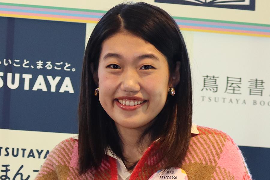 横澤夏子、実家から届いたレモンに驚きの声 「めちゃくちゃ小顔に見えます」   ENCOUNT