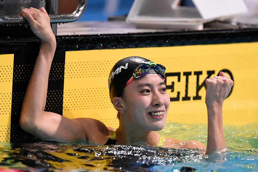 大橋悠依、女子MVPでファンに感謝 北島康介氏らと笑顔の3ショットに反響「綺麗です」 | THE ANSWER スポーツ文化・育成&総合ニュースサイト