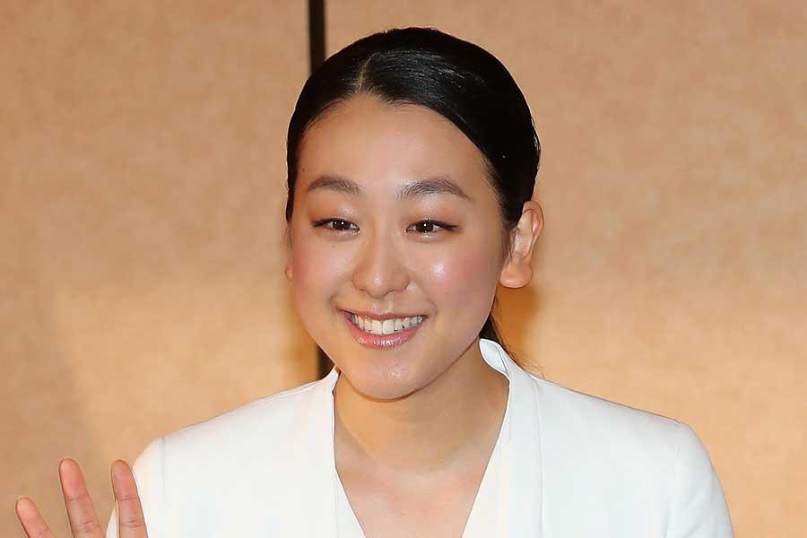 浅田真央が「高級旅館の女将みたい」 シックな和服姿にファン反響「淡い青似合う」   THE ANSWER スポーツ文化・育成&総合ニュースサイト