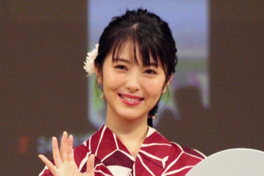 浜辺美波と竹内涼真の2S公開が「最高すぎる2人」「身長差!!!」と話題に | ENCOUNT