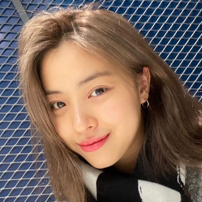 ITZY リュジン インスタグラム更新‥「清純?」 - DANMEE ダンミ