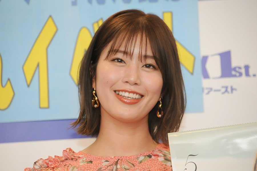 稲村亜美、赤のあでやかな着物姿で全開スマイル「ほんと美人」「お正月っぽい」 | ENCOUNT