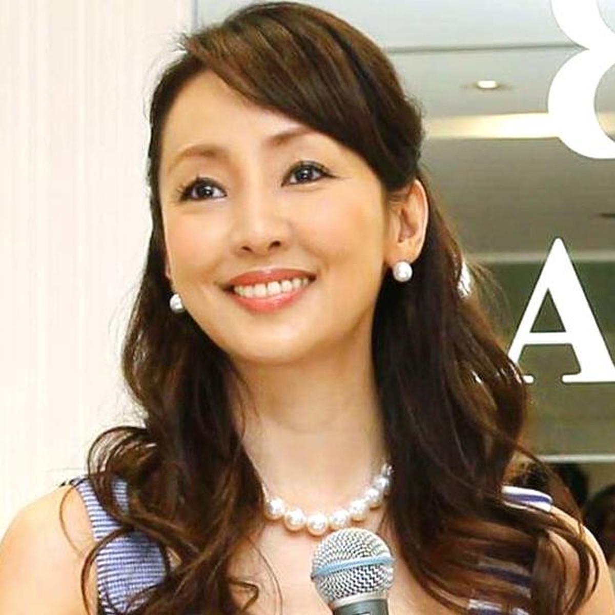 """神田うの、長女と""""双子コーデ""""でコンサートへ「毛皮のコートがゴージャス」(スポーツ報知) - Yahoo!ニュース"""