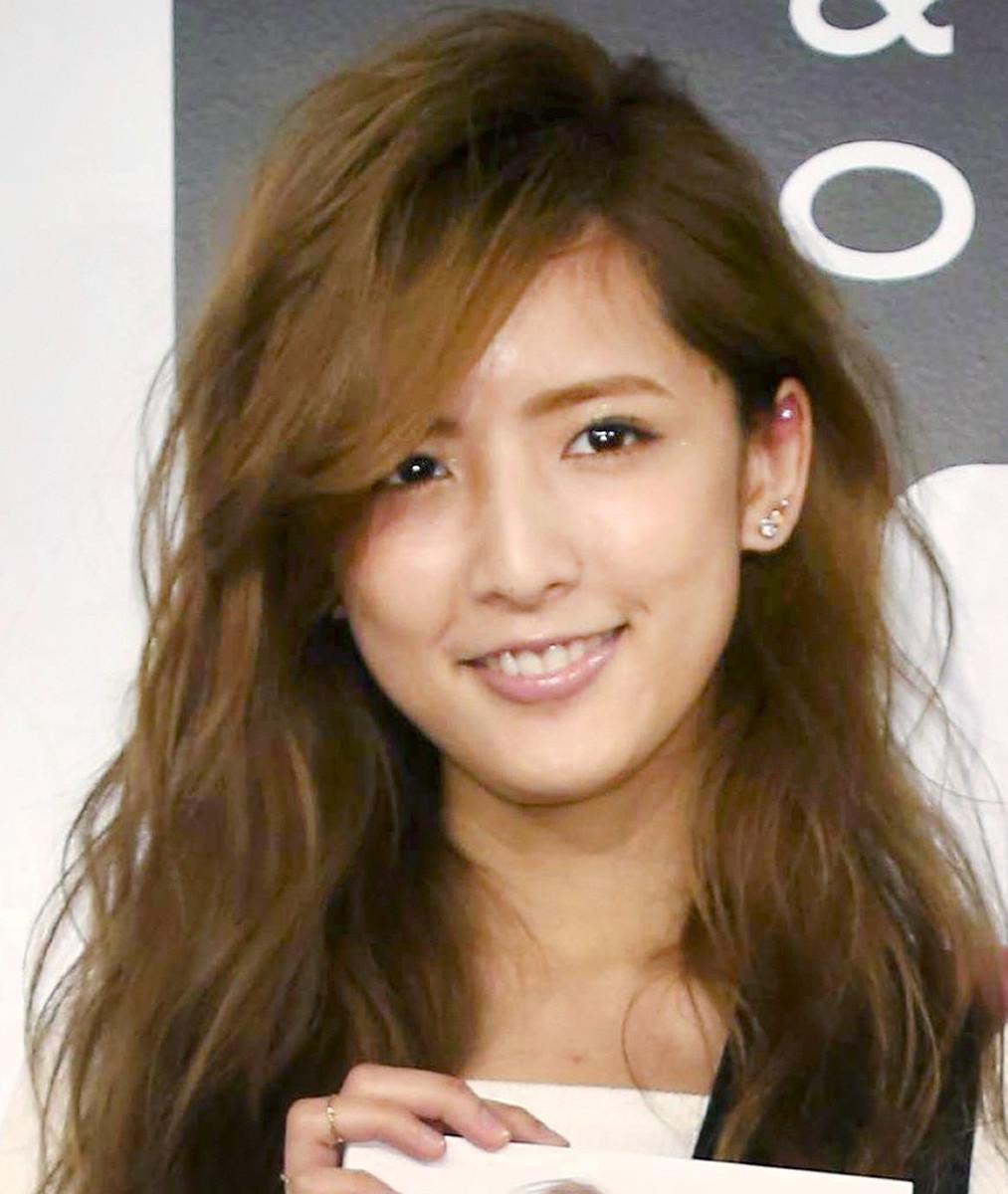 元E―girls・藤井萩花さんが夫の過去の不倫報道に反応…夫婦ショット公開し「本当にクズだったんです」(スポーツ報知) - Yahoo!ニュース