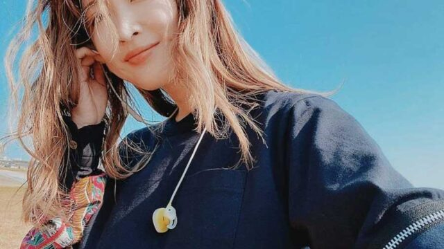 紗栄子、ルイ・ヴィトンの47万円超バッグで自撮りに絶賛「都会モード」「オシャレ~」 | ENCOUNT