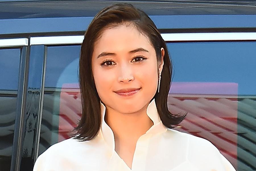 広瀬アリス&瀧本美織のW妻ショット公開 「まさかの2ショット」「こんな三角関係になりたい」 | ENCOUNT