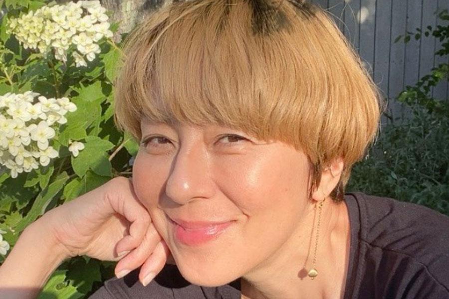RIKACO、リーバイス着用のスタイリッシュコーデ公開 「ほんと、憧れる」と絶賛   ENCOUNT